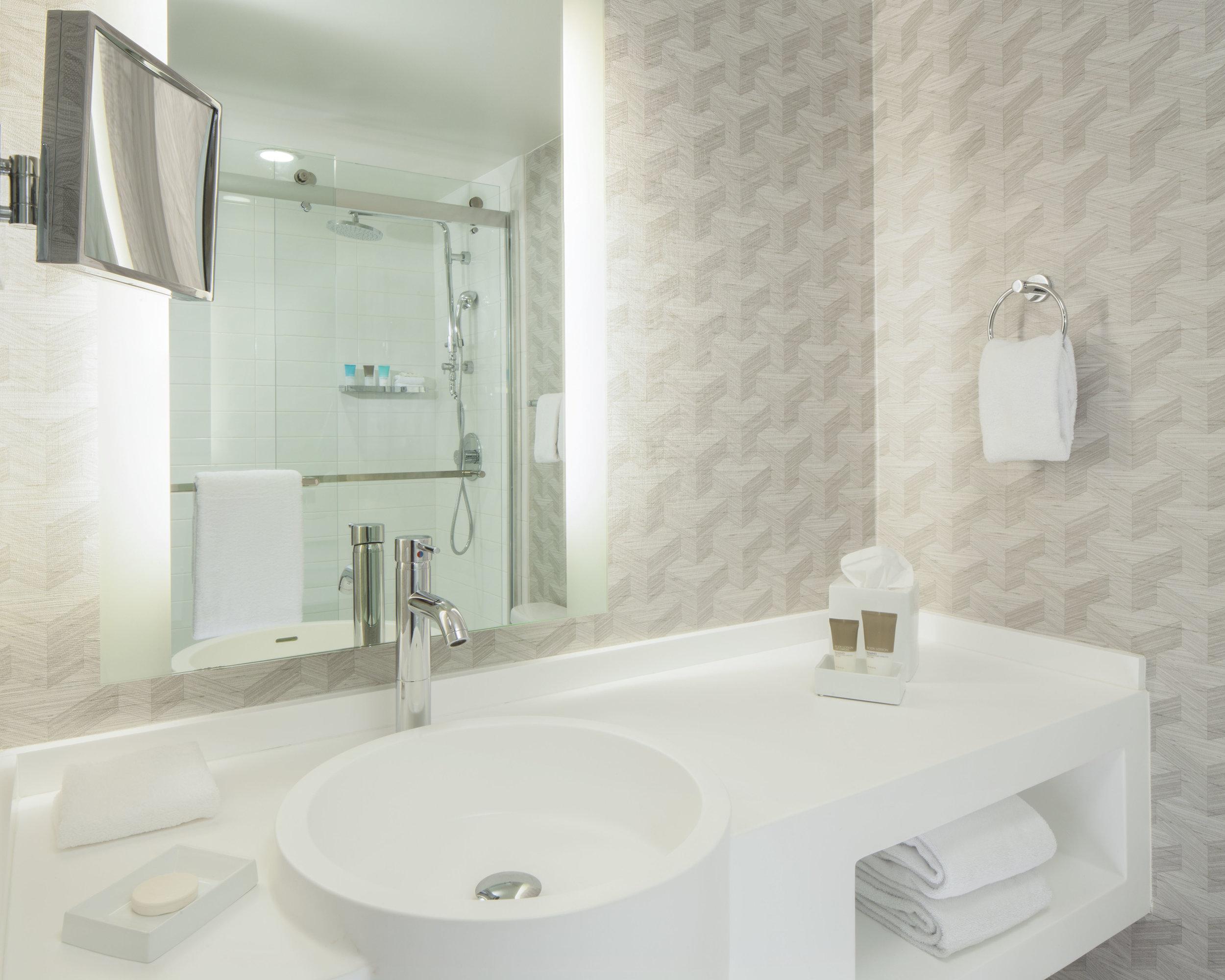 Bathrm.jpg