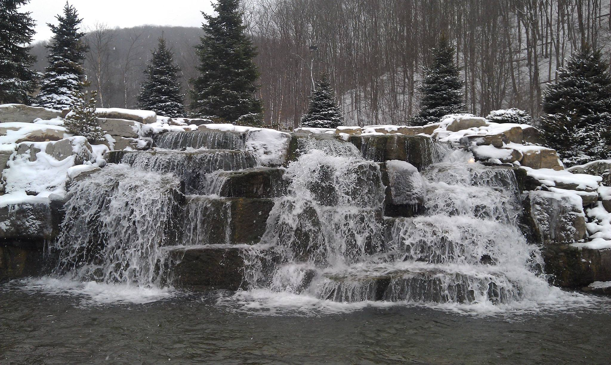 Waterfall_1_winter.jpg