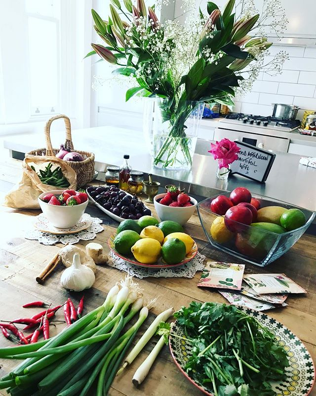 Dinner party prep with our amazing friend and chef @stev0wallis ! Ingredients at the ready #MasterChef #ingredients #cooking #Dinner #Chef #Foodie #DinnerParty #FridayNight #Friends #kitchen #NutritionRocks
