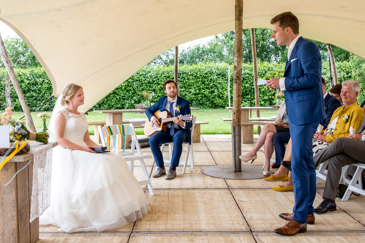 zingende bruidegom