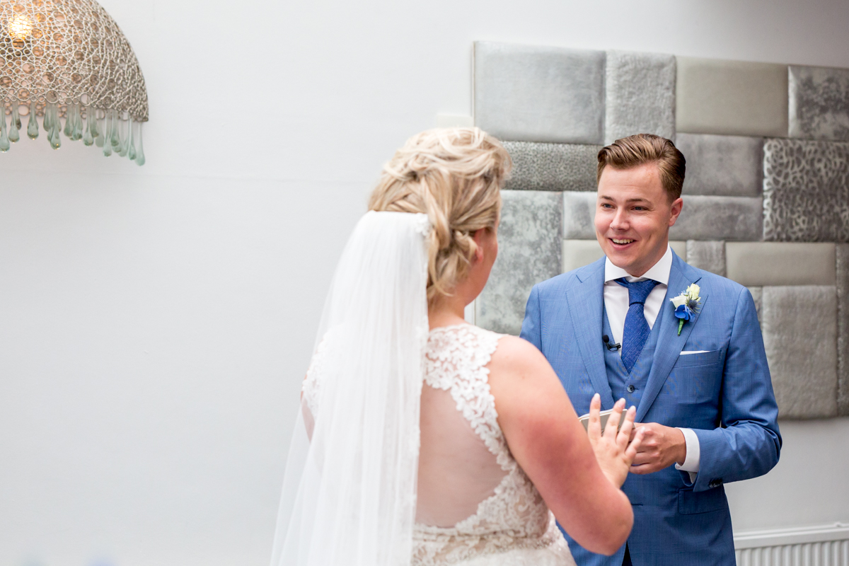 geloftes uitspreken bruidspaar