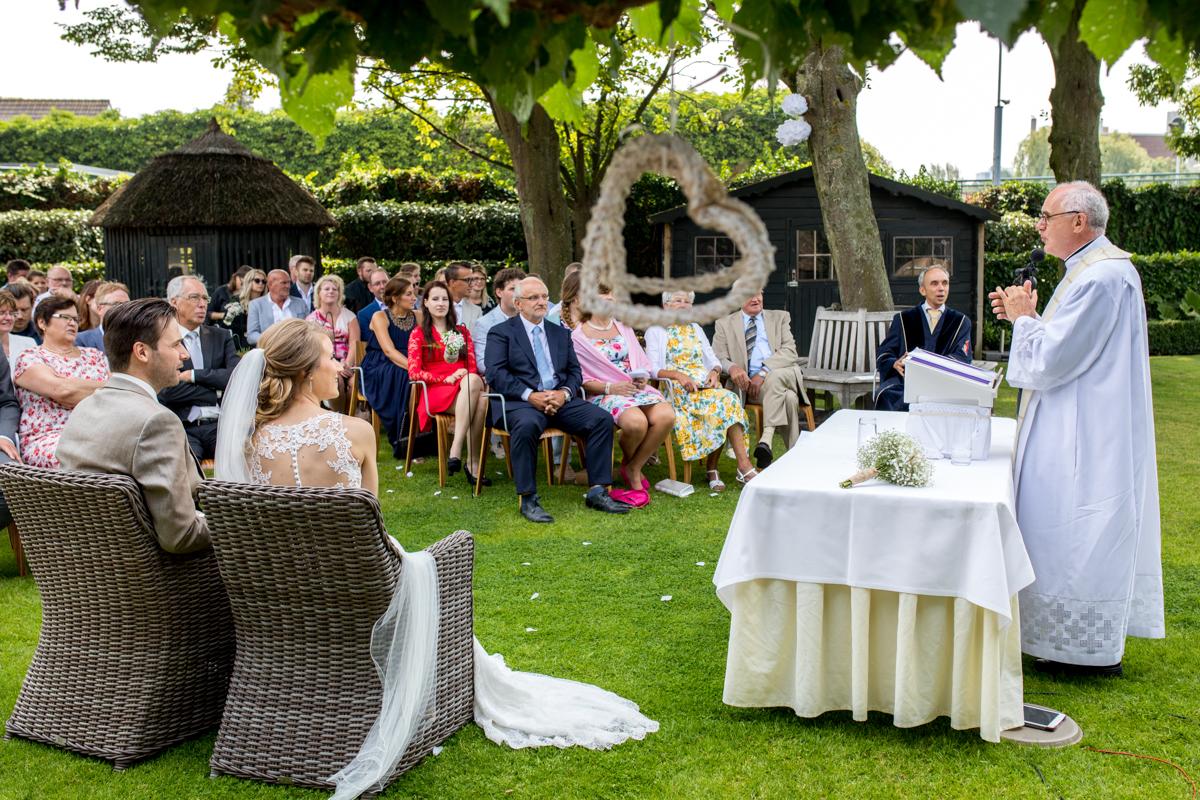 kerkelijk huwelijk leiden