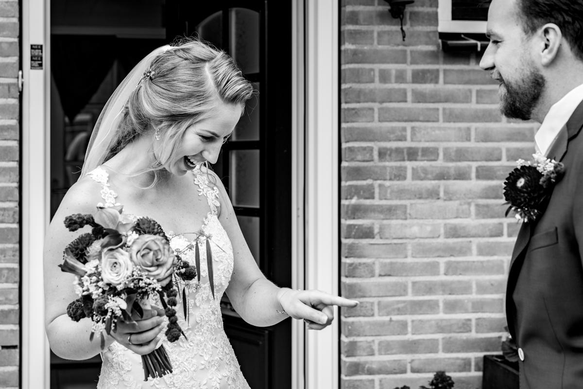 first look bruidspaar bruidsfotograaf