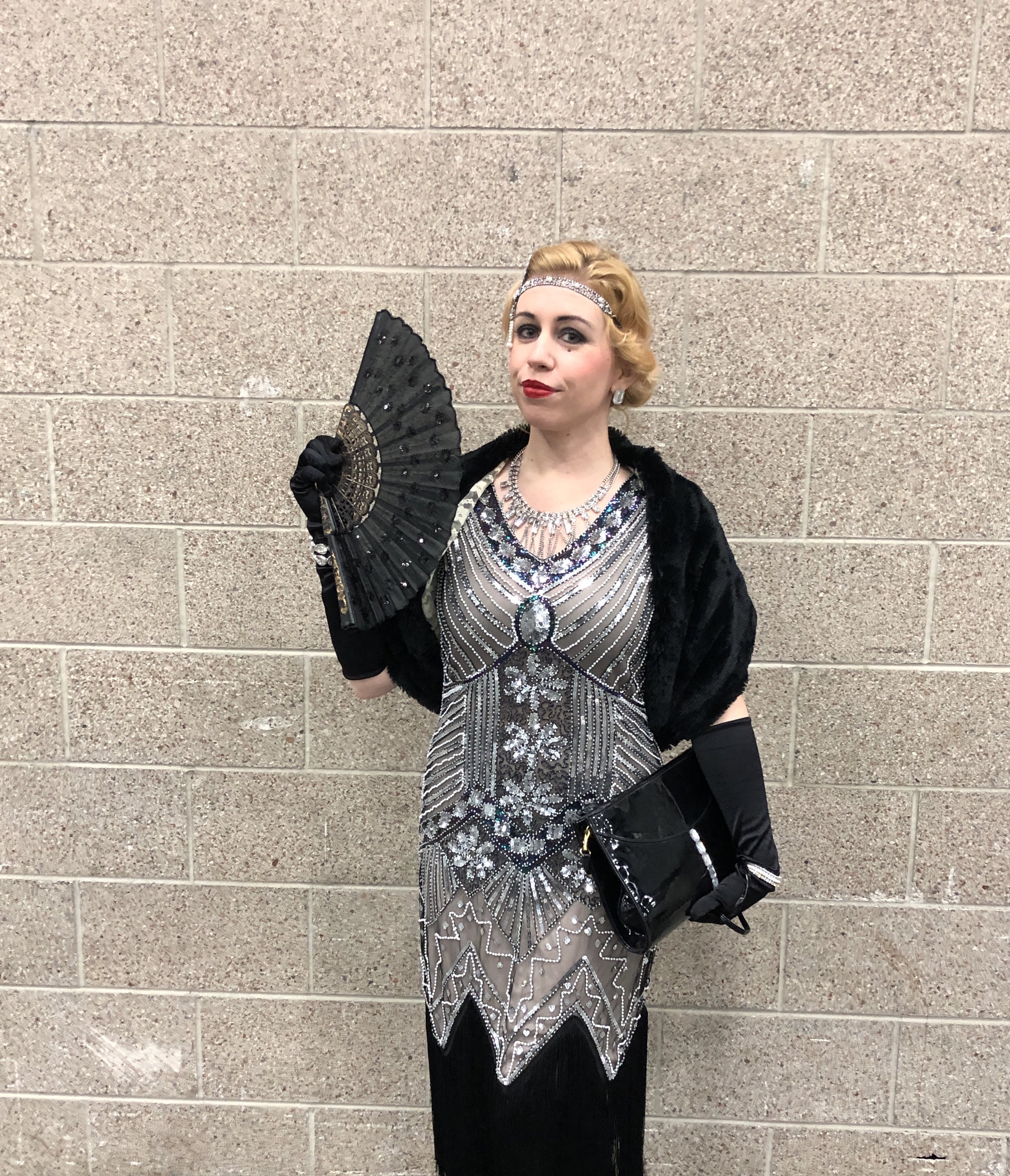 The elegant Great Gatsby flapper cosplayer.