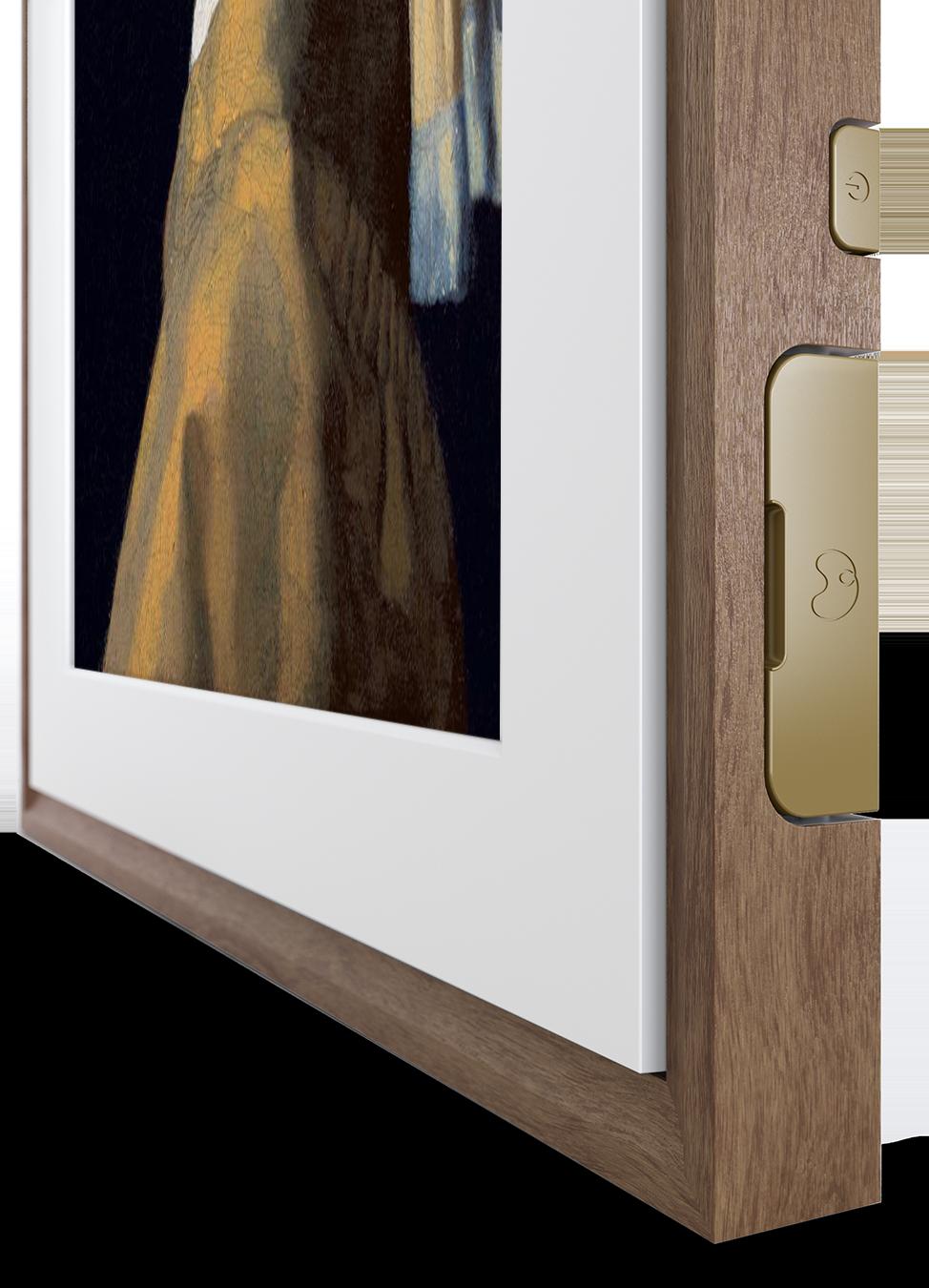 MC327HW 27-CloseUp-Transparent-vertical-Walnut.png