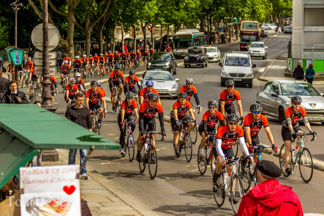 Tour de Sez 2014 - Glorious arrival into Paris