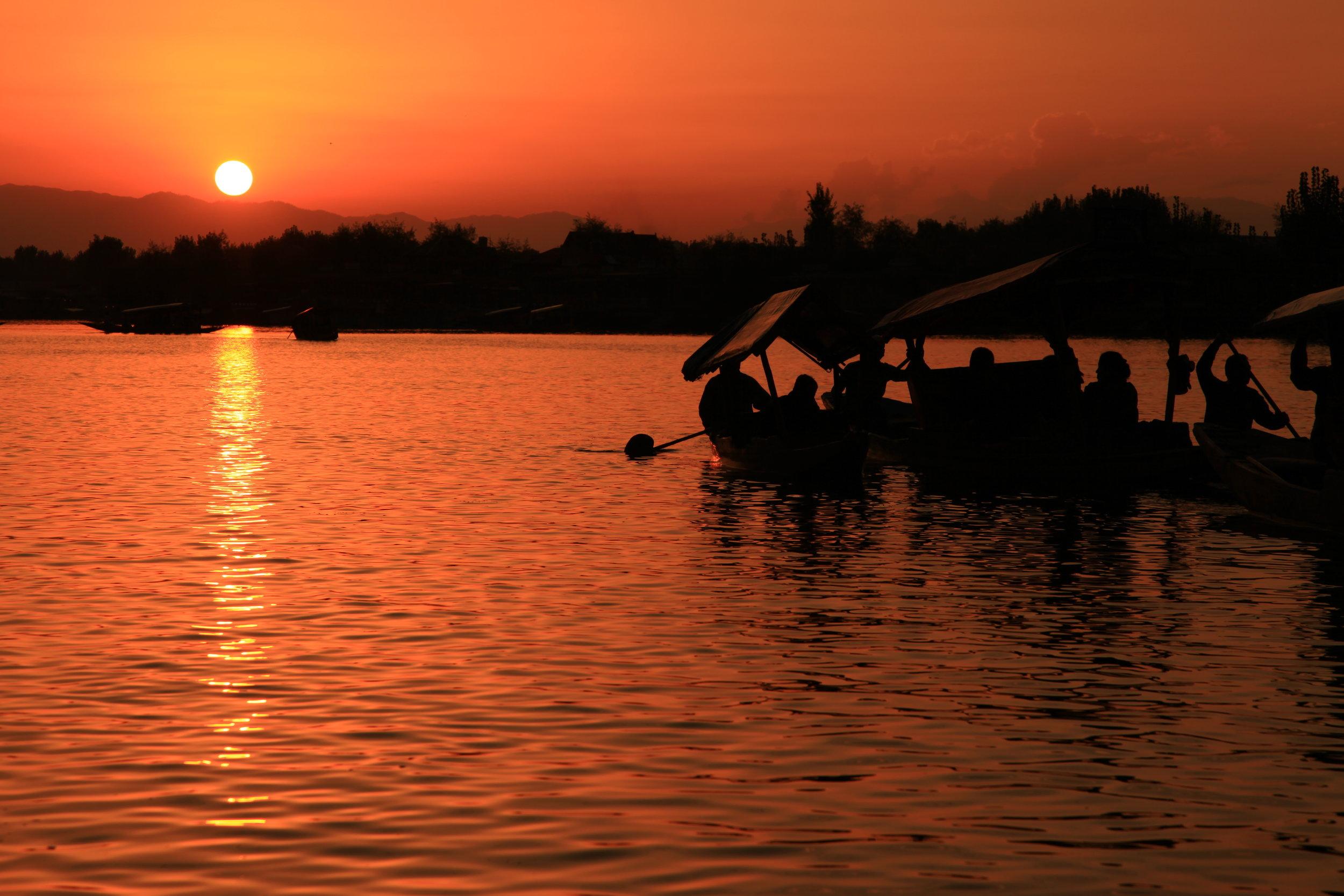 Dal_Lake_Sunset.JPG