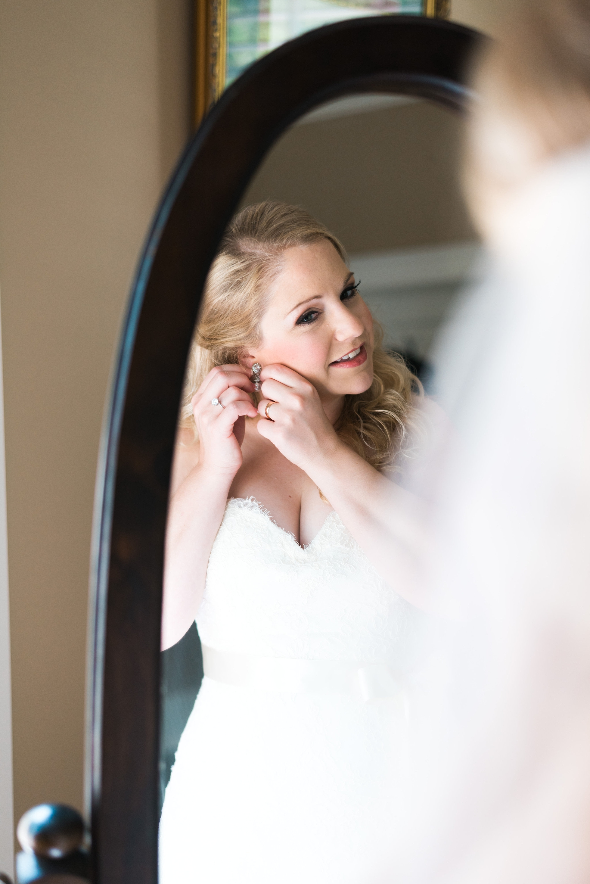 Bride getting ready| Kyle & Erin | Scarbrough Wedding | Children's Harbor | Laura Wilkerson Photography