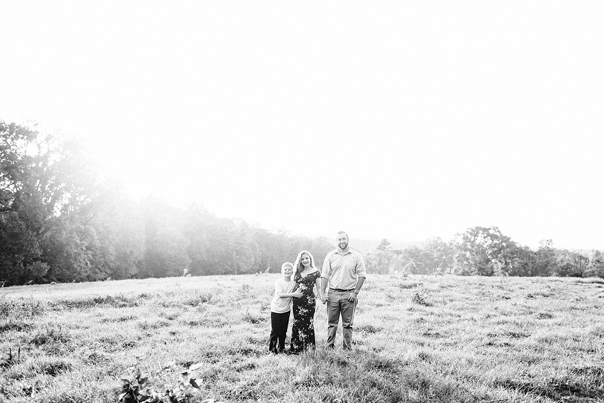 STEFANY & JACOB | KEISLER MATERNITY SESSION IN ALABAMA | MATERNITY SESSION IN A FIELD