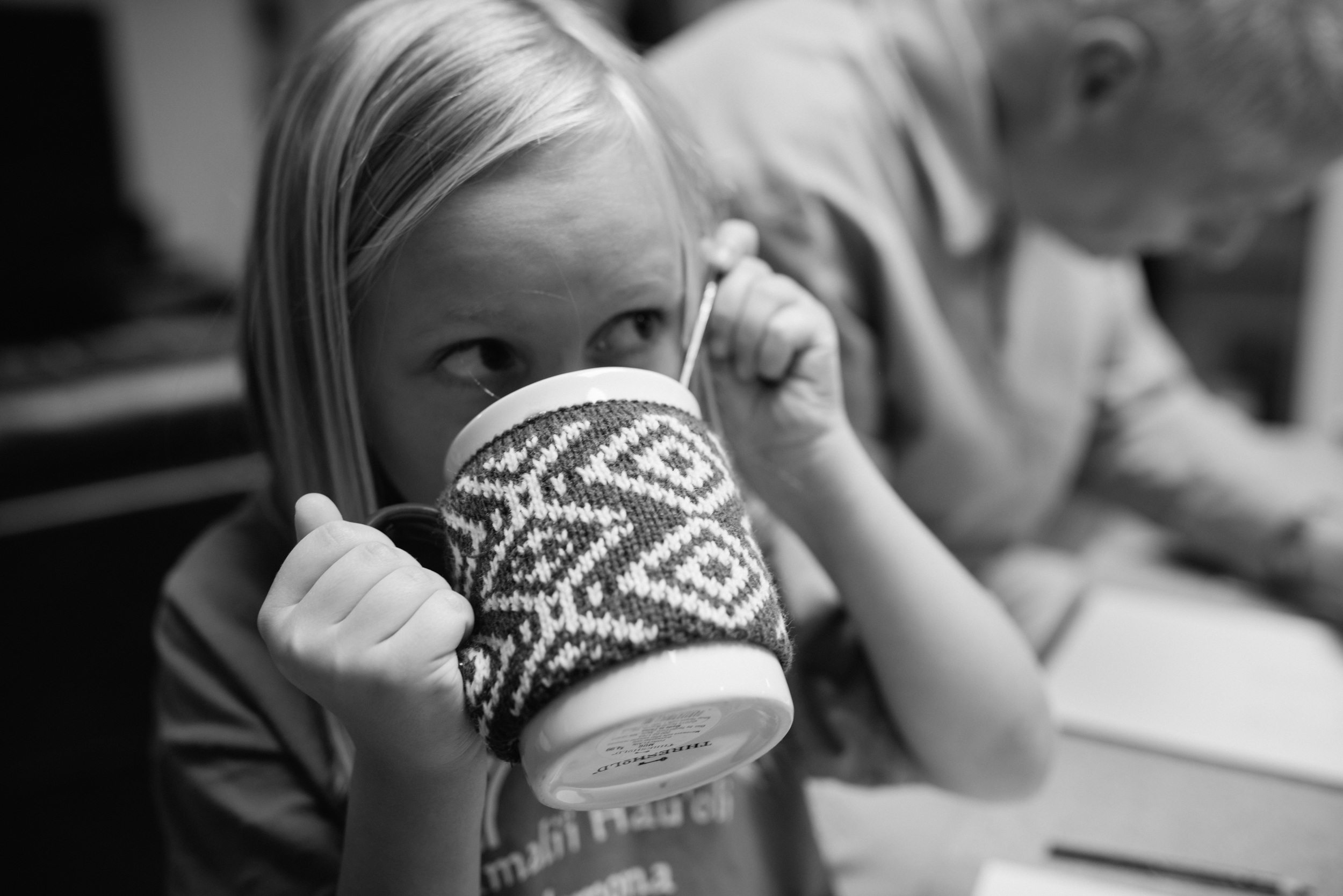documentary photo child drinking hot cocoa hawaii photographer
