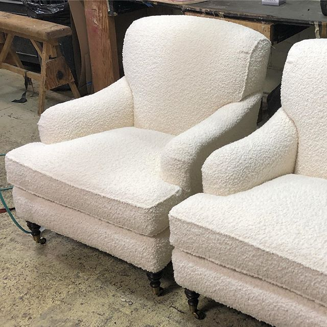 Who wants to cozy up in these lounge chairs?? (Me!) New upholstery freshens these beauties up perfectly for the master bedroom of our Bellevue project. #reupholstery #whatsoldisnewagain #rogersandgoffigon #interiordesign
