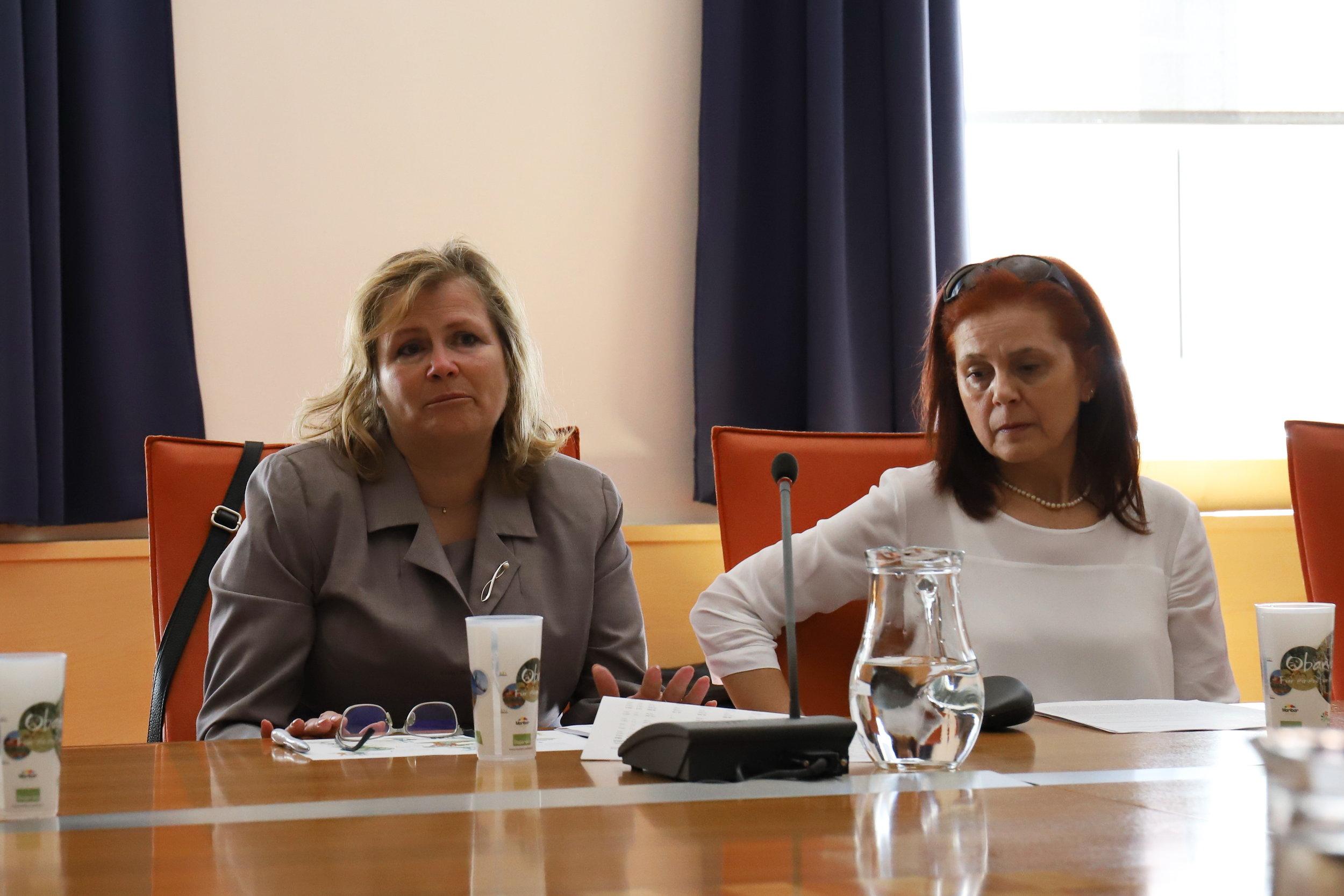 Lilijana Zorko,  vodja Sektorja za zdravstveno in socialno varstvo na MO Maribor in  Tatjana Rebernik , vodja Sektorja za izobraževanje na MO Maribor