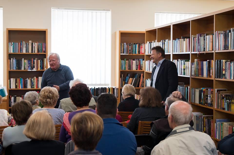 Predstavitev knjige je pozdravil šentiljski župan.jpg