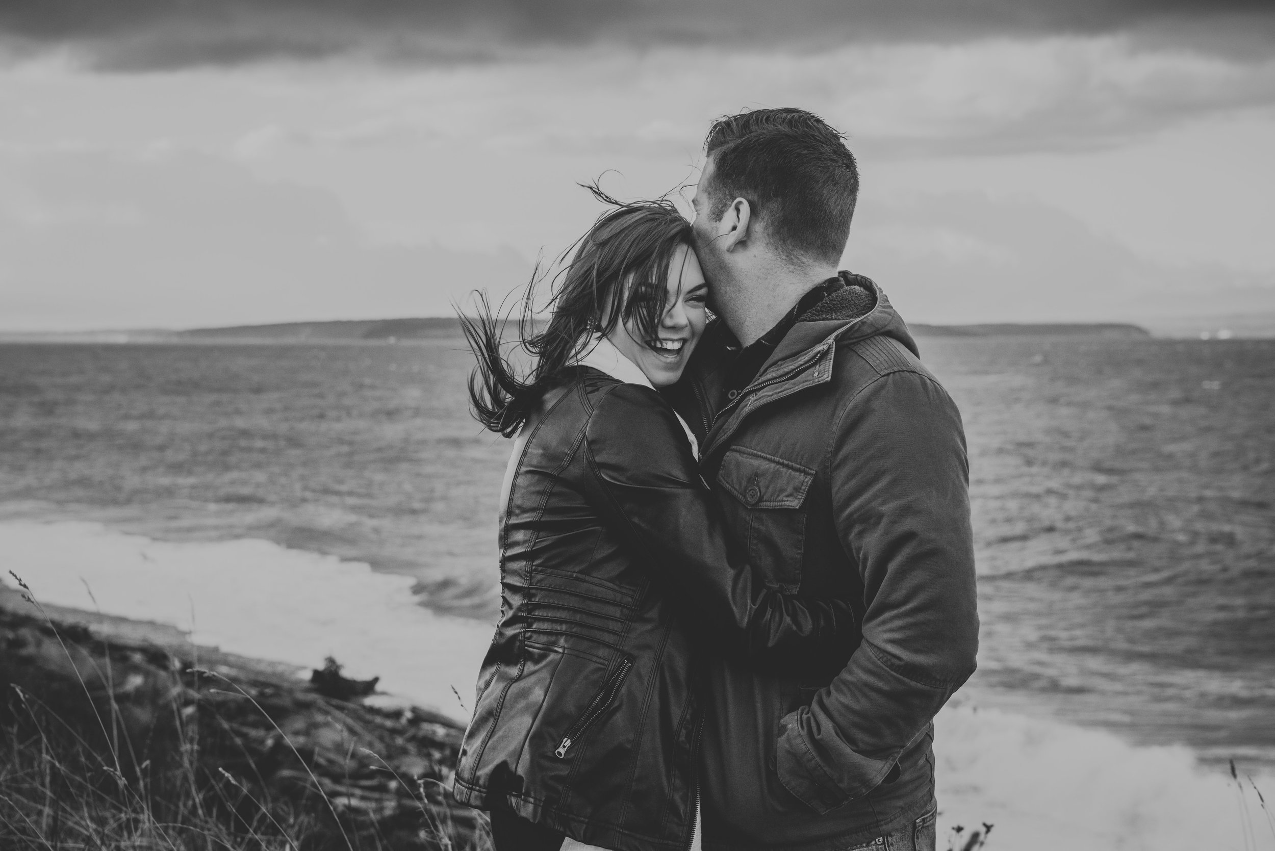Oak-Harbor-Couples-Photographer (4 of 17).jpg