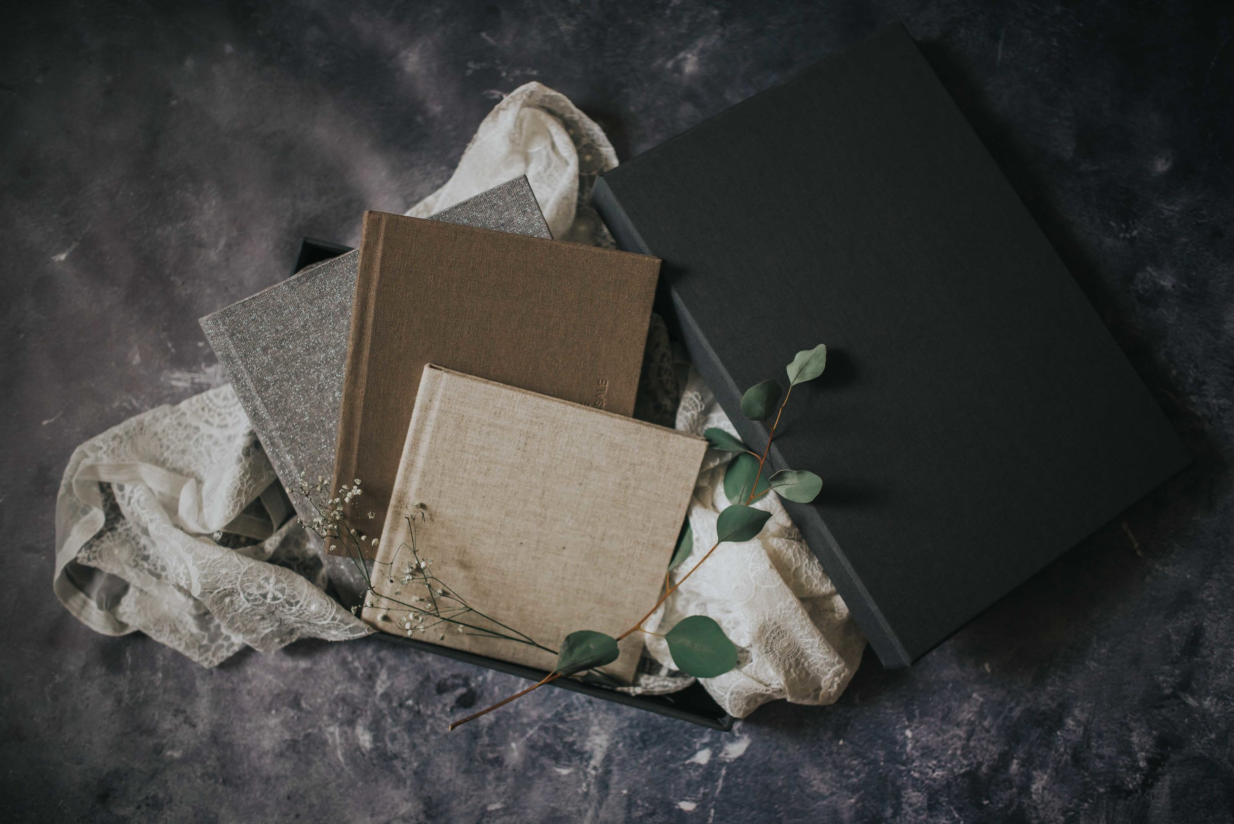 Signature Books - Bonded Leather or Linen Covers with DebossingMatte or Pearl Paper