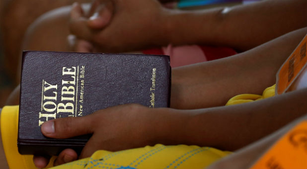 Reuters-Philippines-Bible.jpg