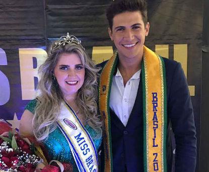 Aline Frade, Miss Brasil Plus Size, e Carlos Franco, Mister Brasil (foto André Cruz/Divulgação)