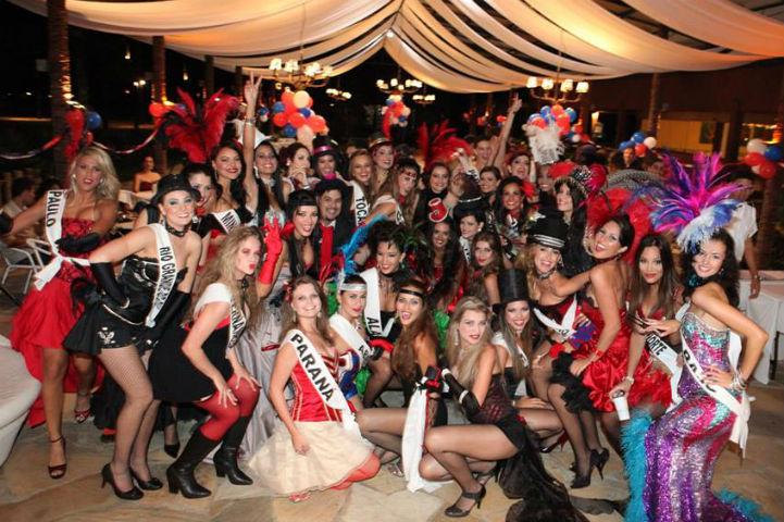 Moulin Rouge foi o tema de 2009. As candidatas deram um verdadeiro show de beleza e criatividade! (foto Fabio Nunes)