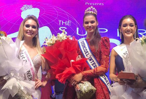 Supermodels: o top 3 de 2017 teve a brasileira Katherin Stricker (esquerda) em segundo lugar, a ucraniana Alona Spodyniuk (centro) como vencedora e a tailandesa Kamontaht Laobuddeepatapee (direita) na terceira colocação.
