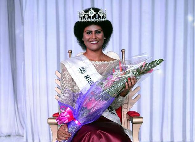Todo o exotismo e beleza da nova Miss Fiji. Ela vem da terra da Lagoa Azul.