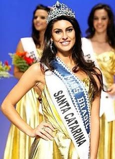 Regiane Andrade conquistou para SC o título de Miss Brasil Mundo 2007.