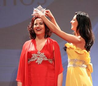 Depois de 50 anos, Sònia Maria Campos foi coroada Miss Brasil Mundo 1958. Ela recebeu a coroa das mãos de Regiane Andrade, Miss Brasil Mundo 2007.