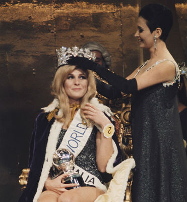 A beleza loira da australiana Penelope: Miss Mundo.
