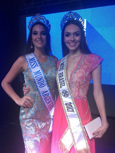 Maria Victoria Soto, a eleita Miss Mundo Argentina 2018, ao lado da Miss Brasil Mundo 2017 Gabrielle Vilela.