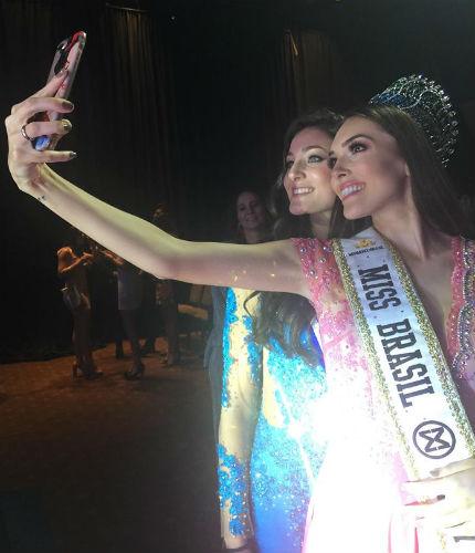 Amigas para siempre: o selfie emocionado de Gabrielle do Brasil e Avril da Argentina. Lindas!