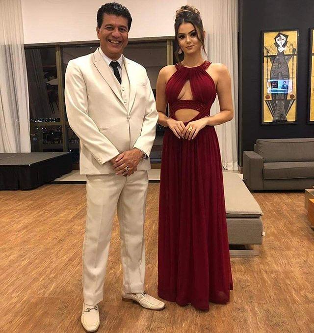 A bela Miss Grand Pernambuco @eslomarques e sétima colocada no Miss Grand Brasil 2019, apresentou o concurso Mister Pernambuco CNB 2019, em Caruaru, ao lado de Marcos Salles. Como sempre, deslumbrante! 💗 #missgrandbrasil #missgrandpernambuco