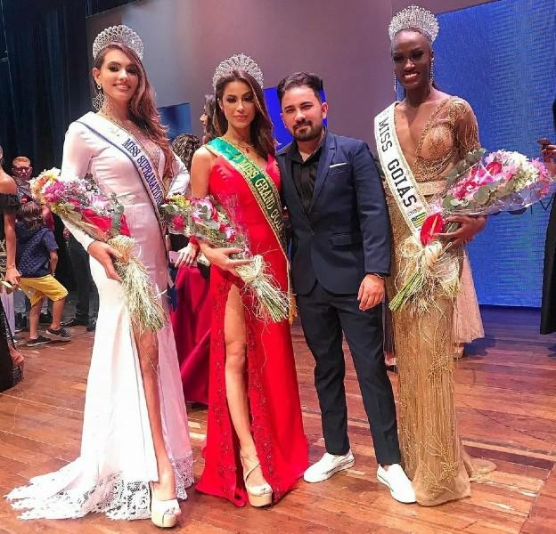 Miss Supranational Goiás 2020, Elisandra Sucupira, Miss Grand Goiás 2020, Mariana David, o coordenador Raffael Rodrigues, e a Miss Goiás CNB 2019, Fernanda Bispo (foto / divulgação).