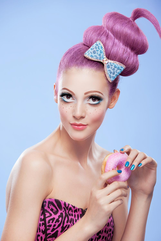 Fotograf: Tiberiu Arsene; Makeup: Luiza Burhai; Hairstyle: Andreea Iordache; Styling: Naciu Cristina; Model: Adriana Bexa;