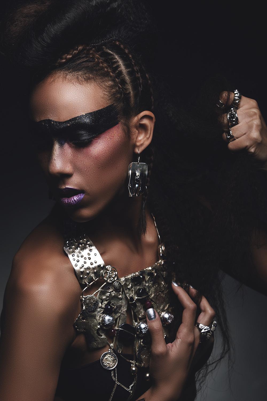 Fotograf: Tiberiu Arsene; Makeup: Luiza Burhai; Hairstyle: Andreea Iordache; Styling: Naciu Cristina;
