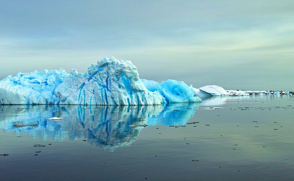 l_blue-berg-closer.jpg