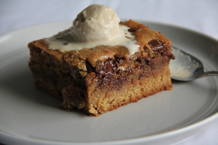 Blondies with a delicious layer of salty toffee and dark chocolate chips...and coffee ice cream to boot!
