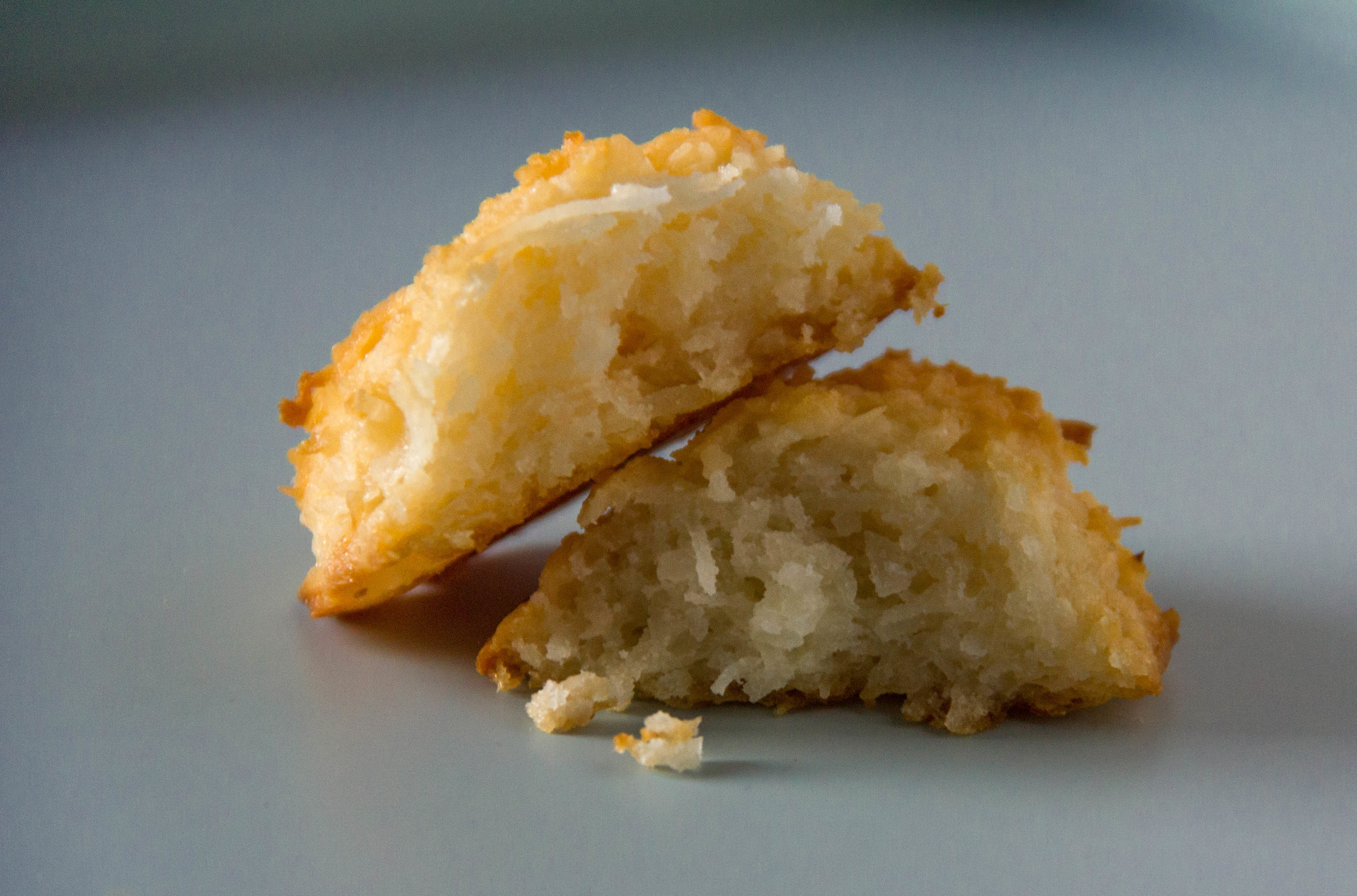 gooey and sweet on the inside, salty and crunchy on the outside... Salted Caramel Coconut Macaroons