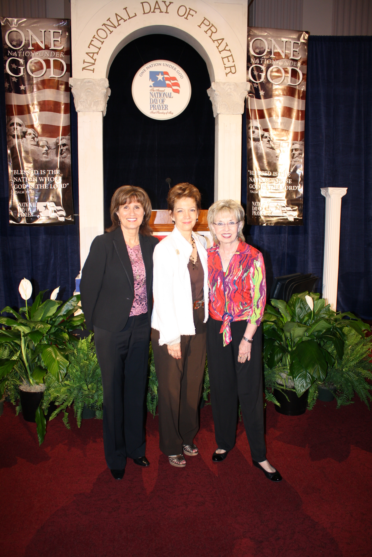 Nancy Schulze, Tommye Scarborough, Dran.JPG