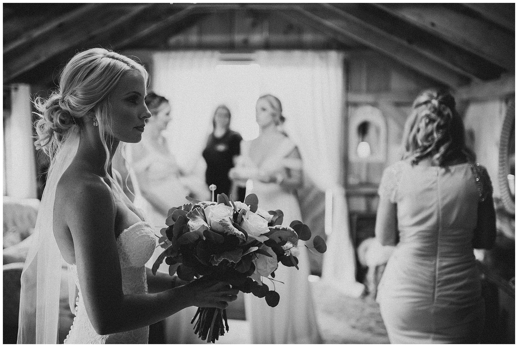 WISCONSIN WEDDING PHOTOGRAPHER 17.jpg