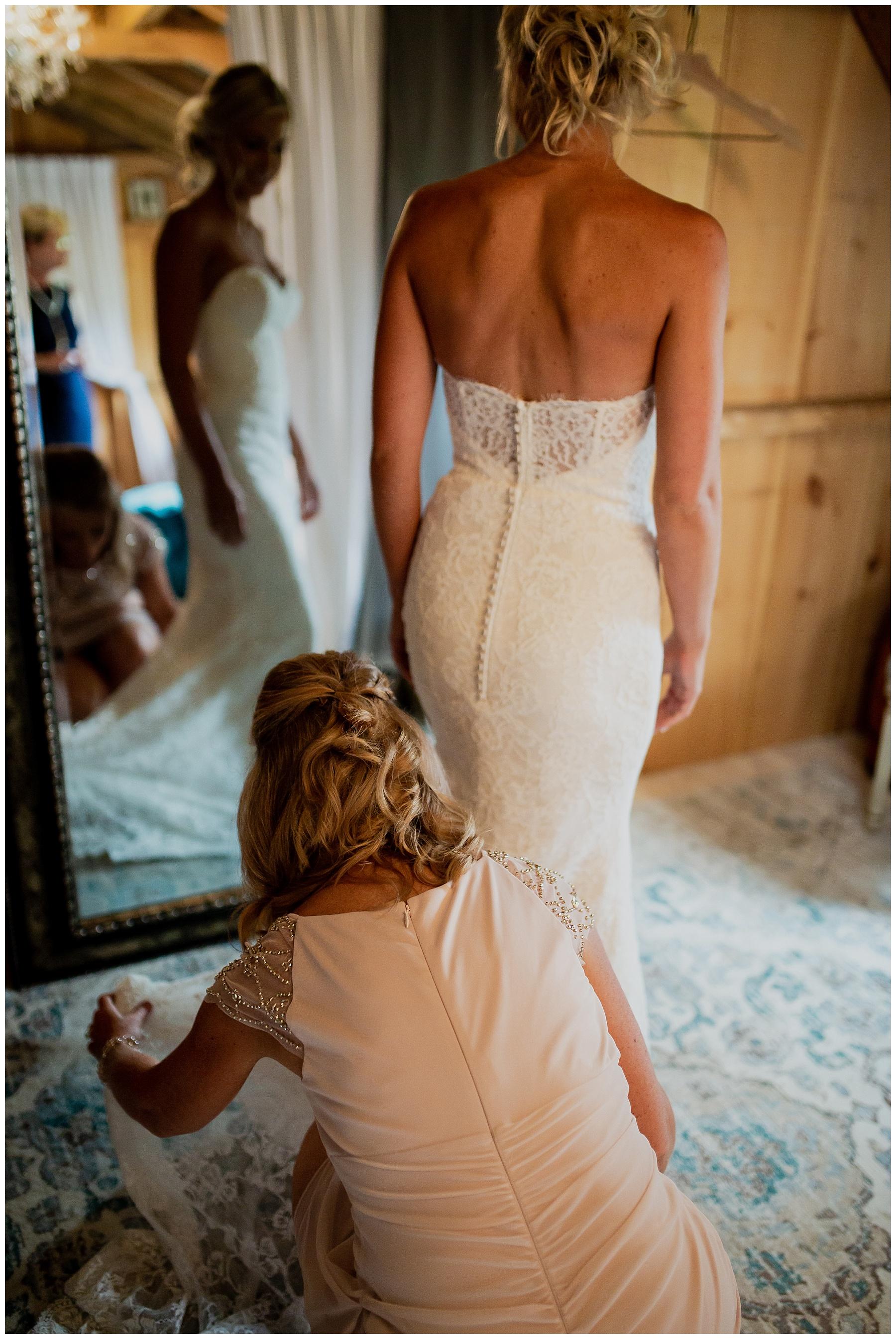 WISCONSIN WEDDING PHOTOGRAPHER 19.jpg