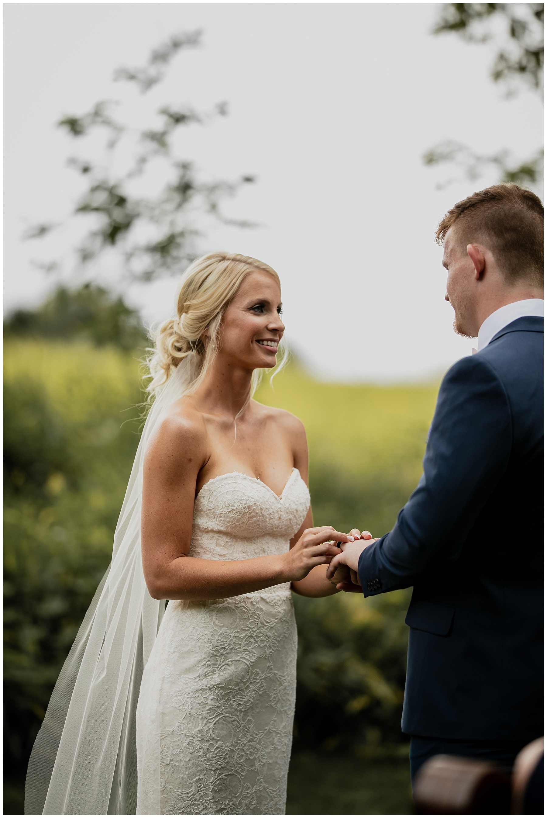 WISCONSIN WEDDING PHOTOGRAPHER 104.jpg