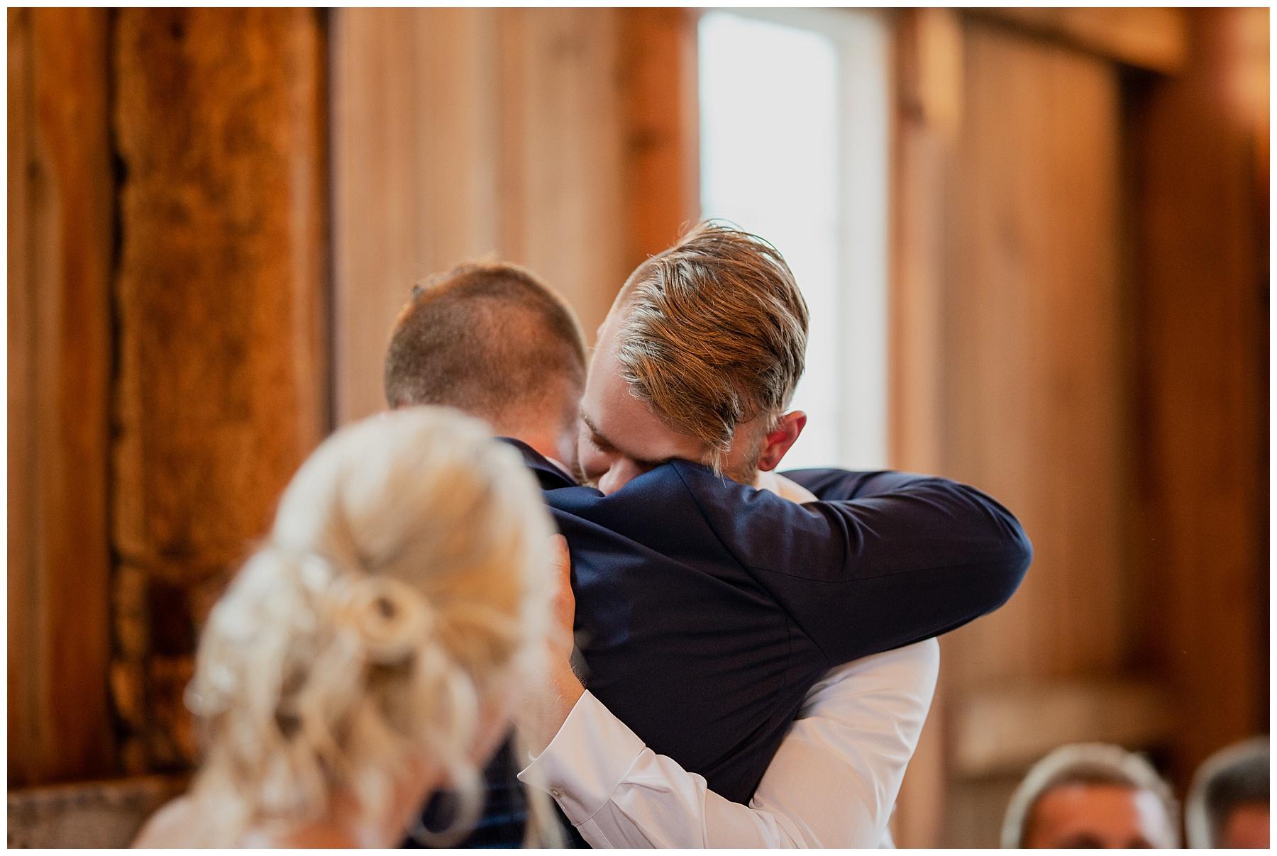 WISCONSIN WEDDING PHOTOGRAPHER 166.jpg