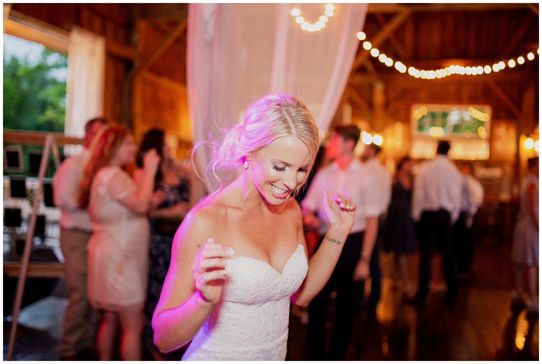 WISCONSIN WEDDING PHOTOGRAPHER 179.jpg