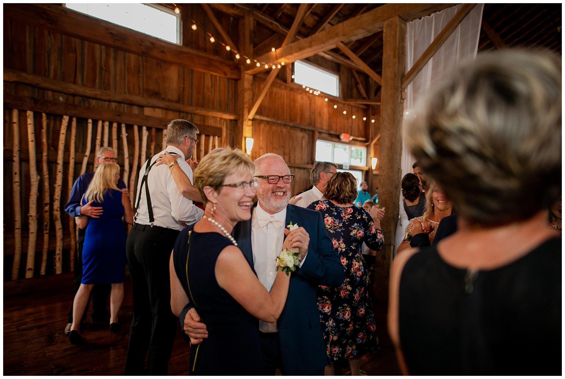 WISCONSIN WEDDING PHOTOGRAPHER 183.jpg