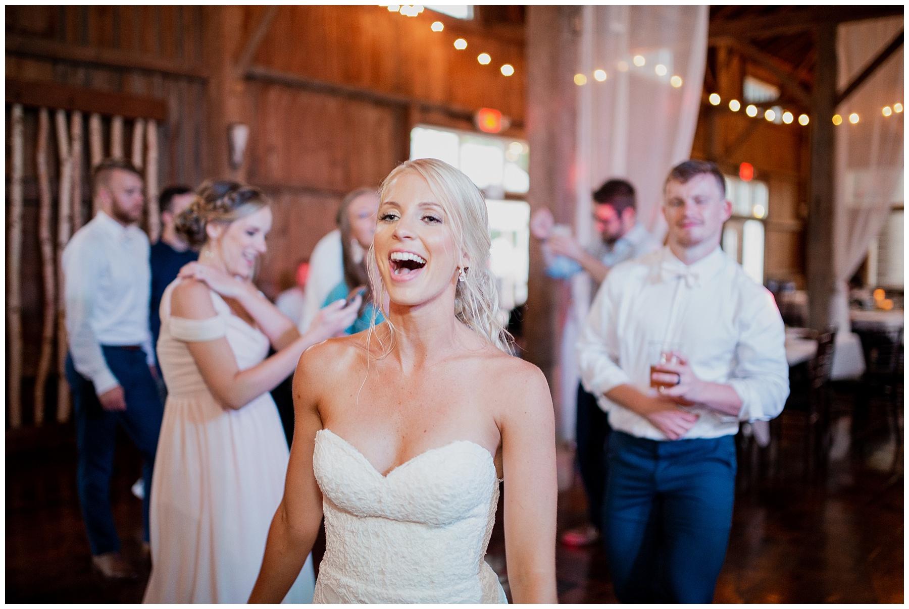 WISCONSIN WEDDING PHOTOGRAPHER 193.jpg