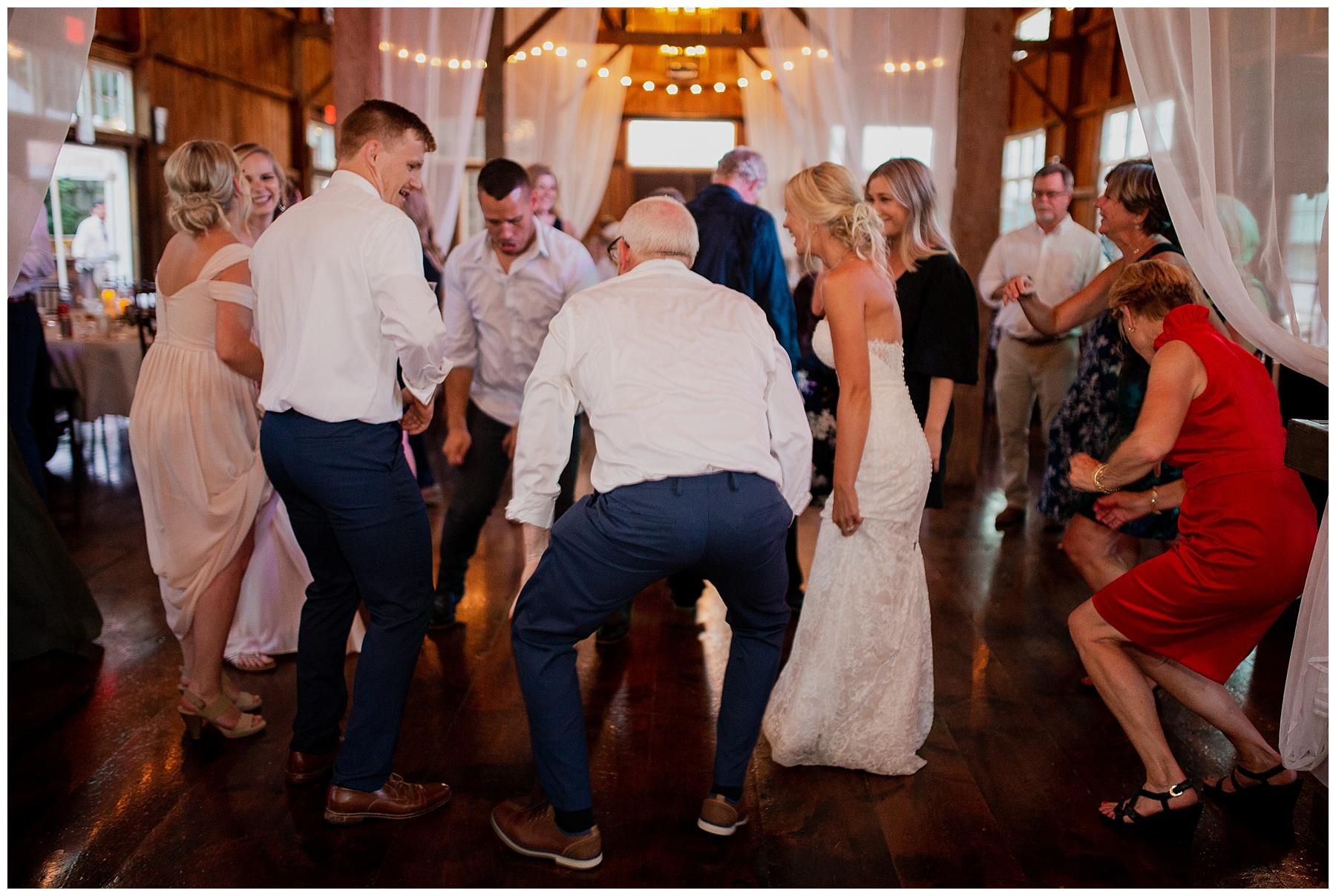 WISCONSIN WEDDING PHOTOGRAPHER 195.jpg