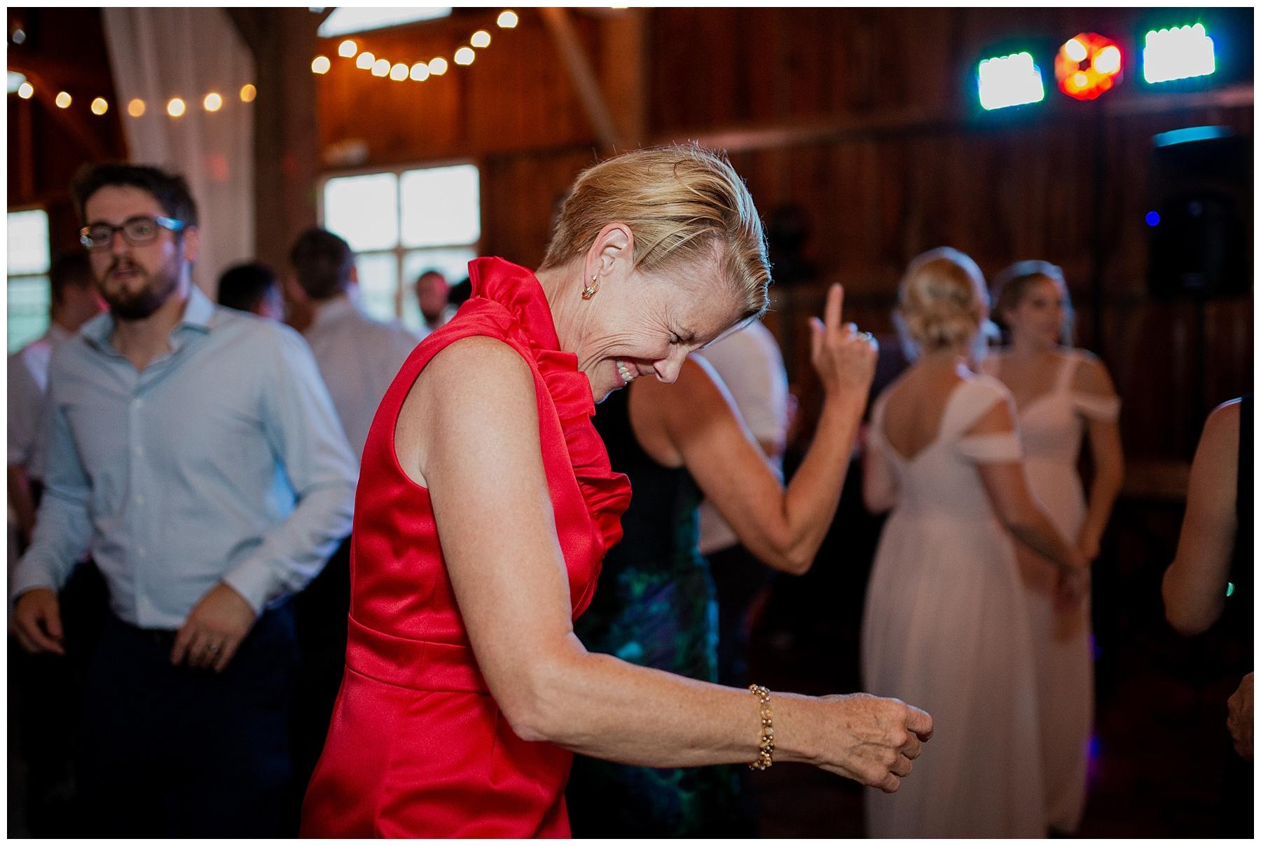 WISCONSIN WEDDING PHOTOGRAPHER 199.jpg