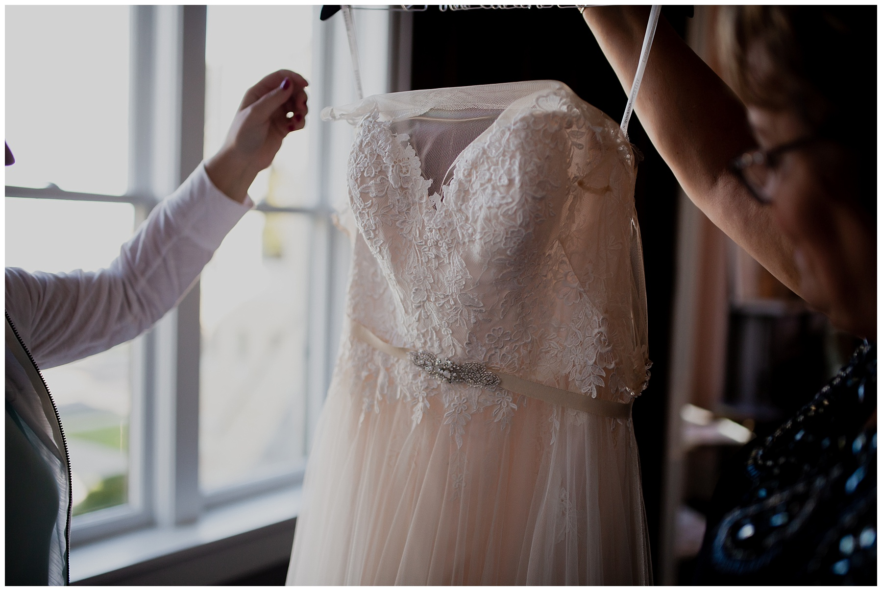 WISCONSIN WEDDING PHOTOGRAPHER -THE COVENANT AT MURRAY MANSION WEDDING-50.jpg
