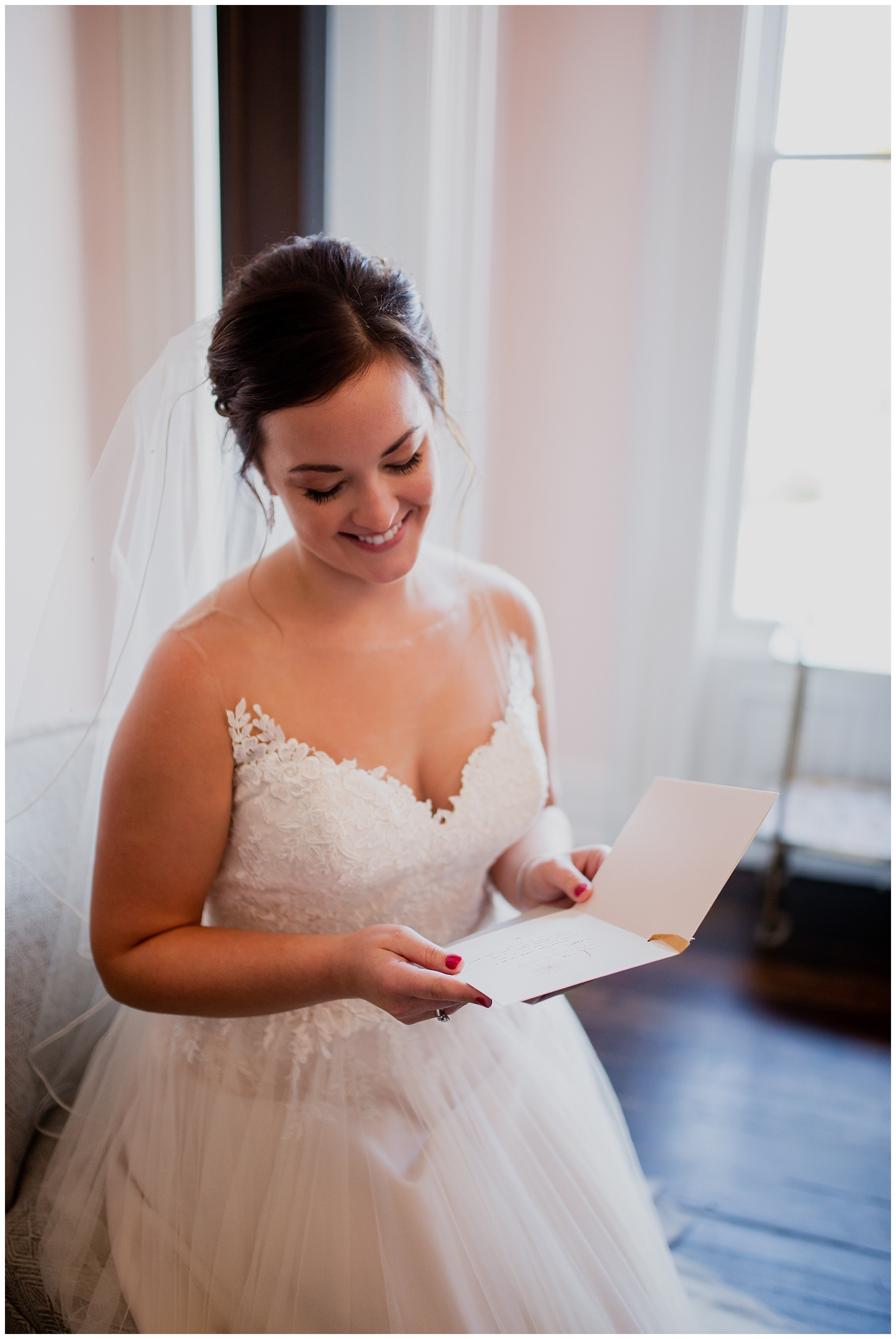 WISCONSIN WEDDING PHOTOGRAPHER -THE COVENANT AT MURRAY MANSION WEDDING-58.jpg