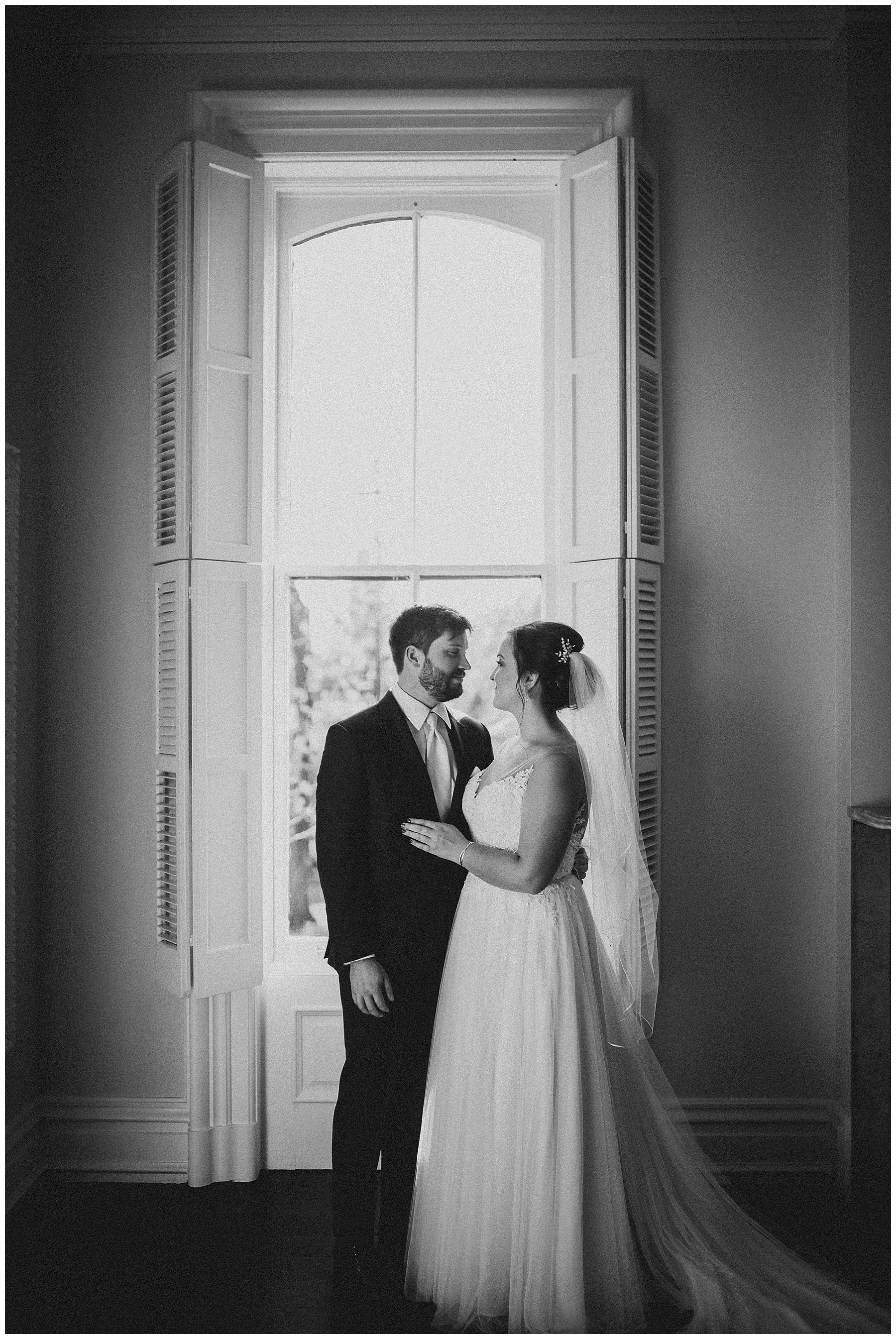 WISCONSIN WEDDING PHOTOGRAPHER -THE COVENANT AT MURRAY MANSION WEDDING-94.jpg