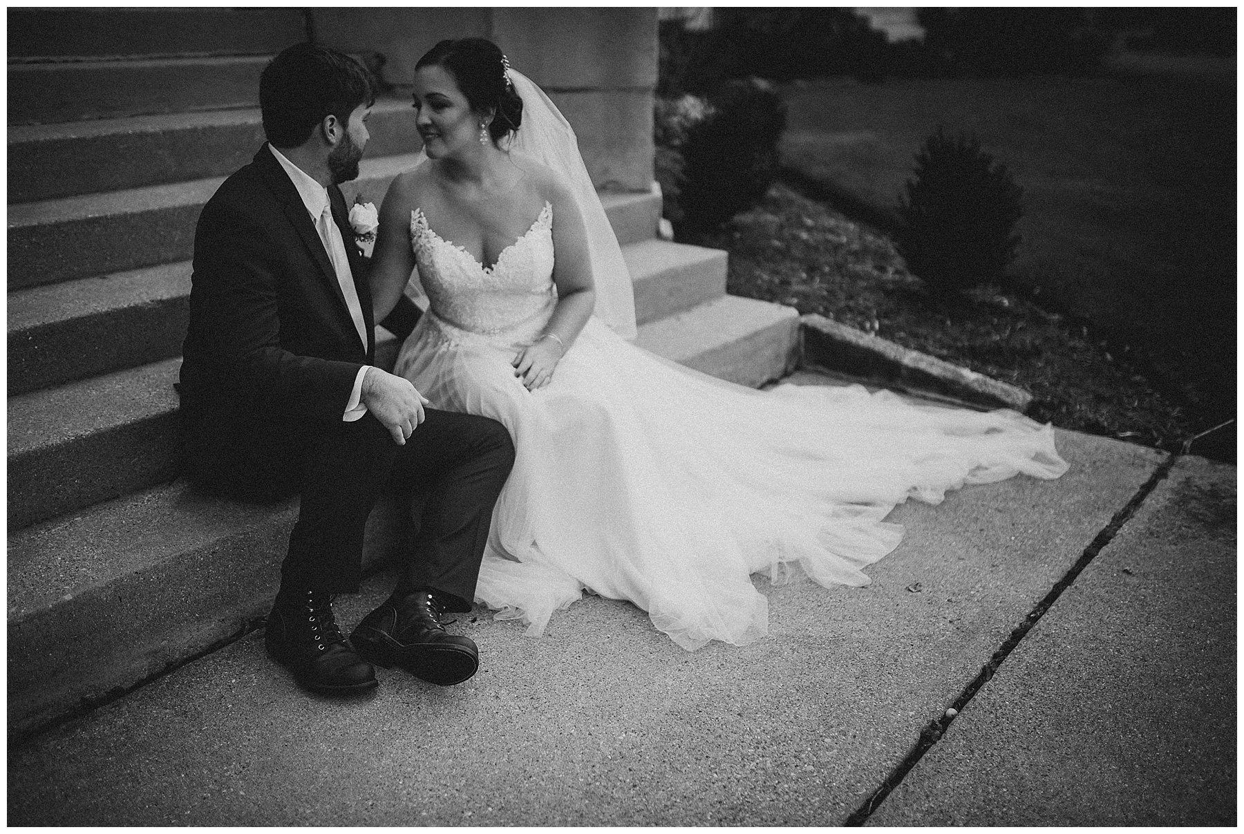 WISCONSIN WEDDING PHOTOGRAPHER -THE COVENANT AT MURRAY MANSION WEDDING-124.jpg